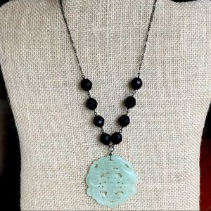 Carved green jade necklace w/faceted Czech glass